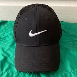 Women's Nike Golf Black Baseball Cap -:- Size M